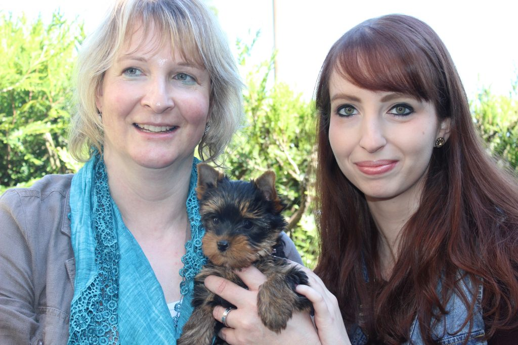 Finn10 semaines avec ses 2 mamies